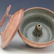 Shino_steamer_pottery_open