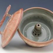 Shino_steamer_pottery_open